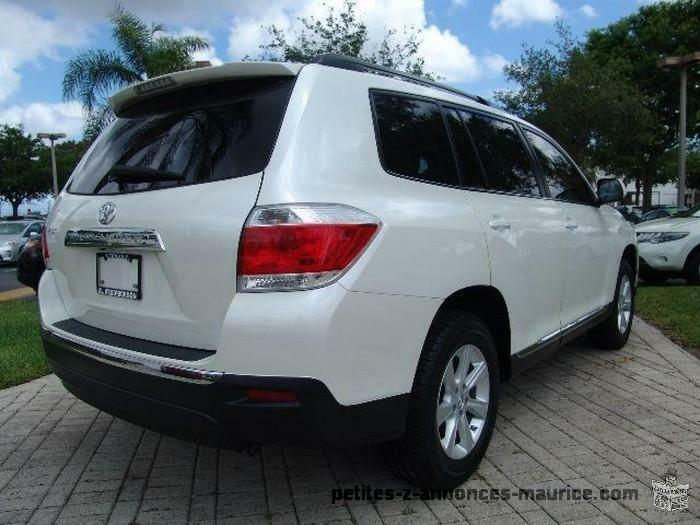 2012 TOYOTA HIGHLANDER SE, Car looks like brand new, Single owner, No accident Record and car in pe