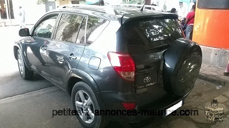 TOYOTA RAV4 grey dark year 2008