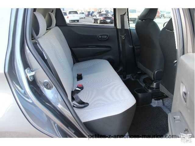 Toyota new VITZ form 1000 cc grey