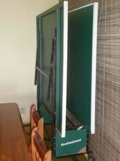 A Vendre : Table de ping pong pliante 153x276cm