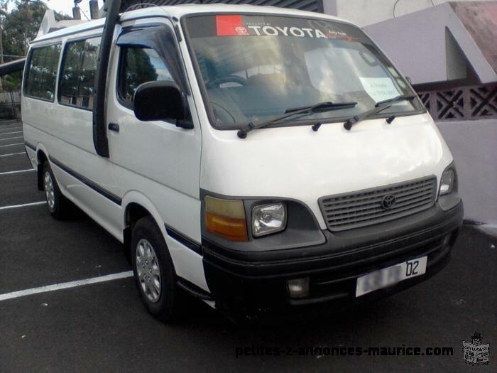 A Vendre Toyota Hiace An.02