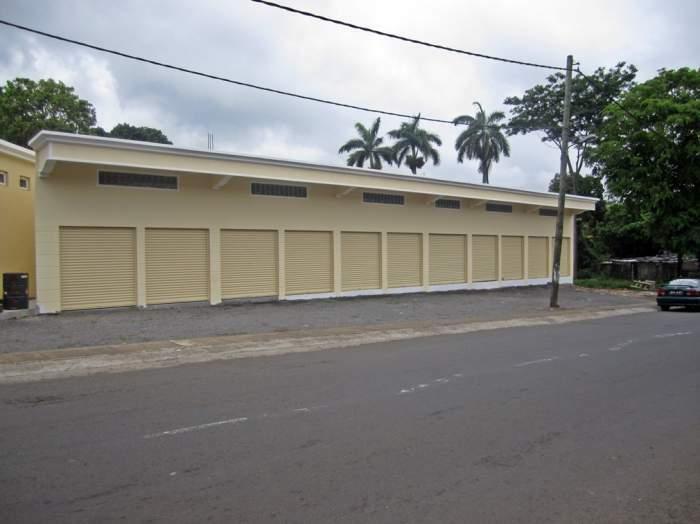 Bâtiment commercial à la Route Royale, Pamplemousses.