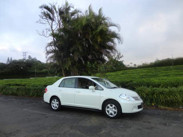 CAR FOR SALE NISSAN TIIDA WHITE