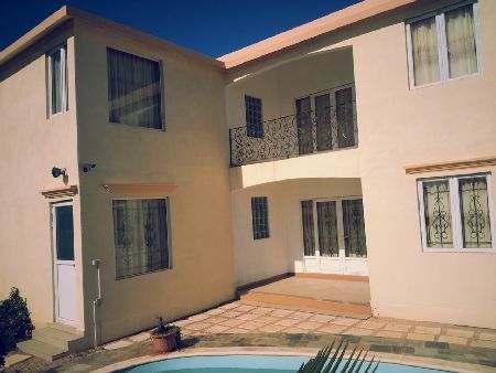 GRAND GAUBE - LOCATION VIDE OU MEUBLÉE : Villa 6 Chambres avec piscine dans jardin clos.