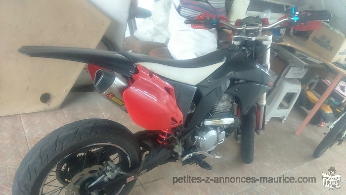 Honda Super Motard 250cc