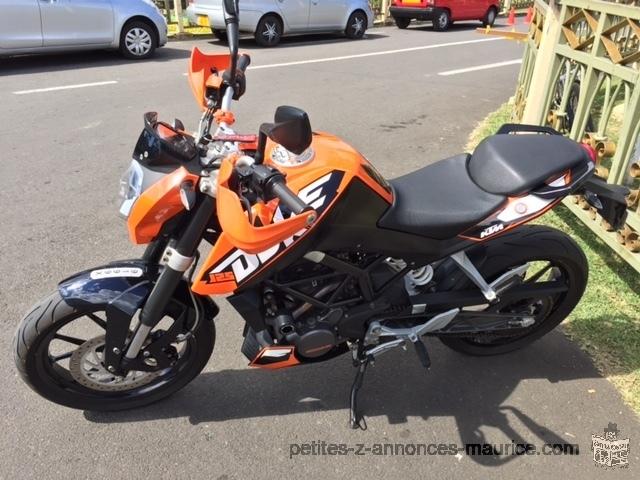 KTM Duke 125 année 2012