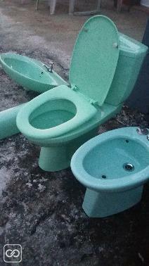 Set de toilettes + accessoires de salle de bain