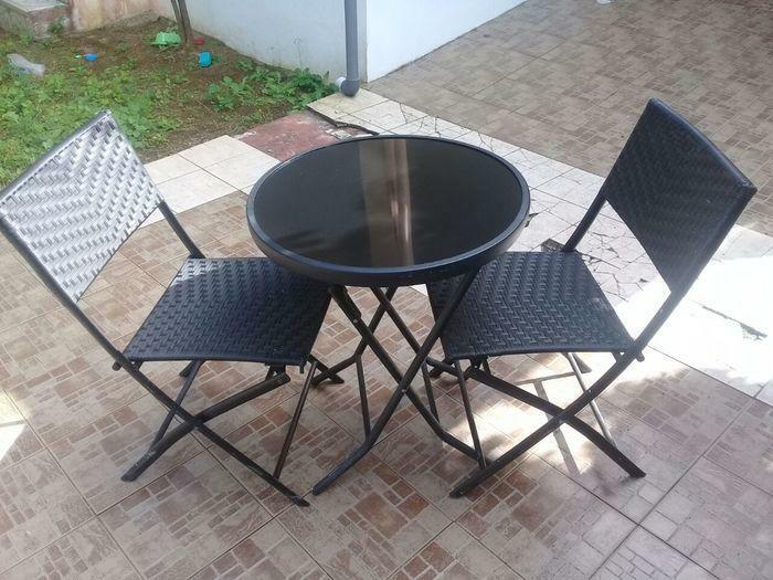 TABLE ET CHAISES D'EXTERIEUR