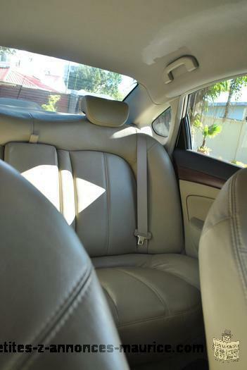 VENDS Nissan Bluebird Sylphy- 77500 km! TRES BON ETAT