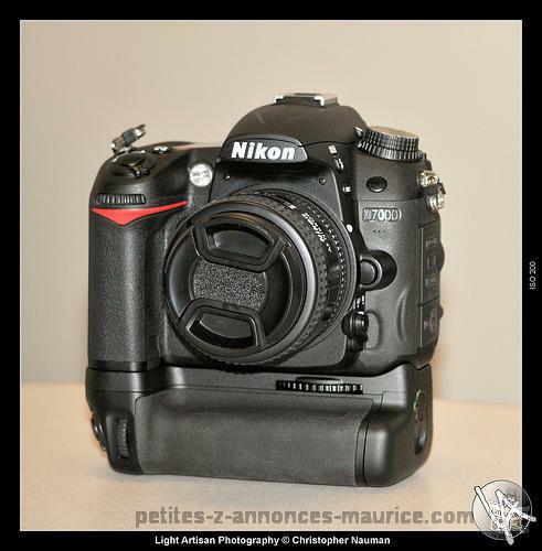 Vends NIKON D7000 (1 an) + 18-55mm + Grip + Pied Tripod + Soft View NX