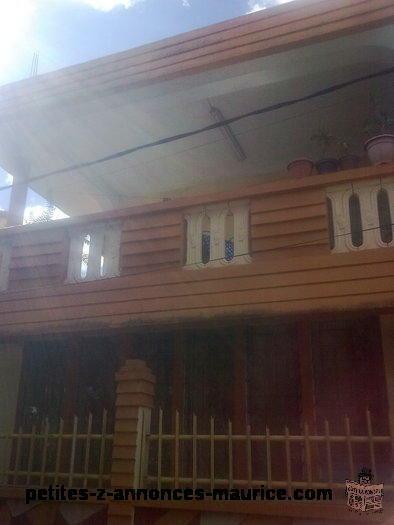 maison a louer ou a vendre , Location Rs 6000 et a vendre Rs 1.1 million