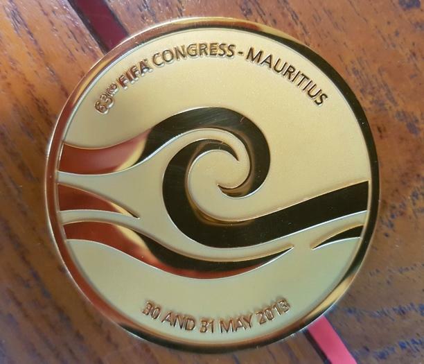 rare medaille FIFA congres de Maurice 2013